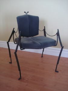 tendance-metal-chaise-araignee
