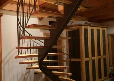 escaliers tendance m tal. Black Bedroom Furniture Sets. Home Design Ideas