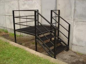Escalier de service en métal